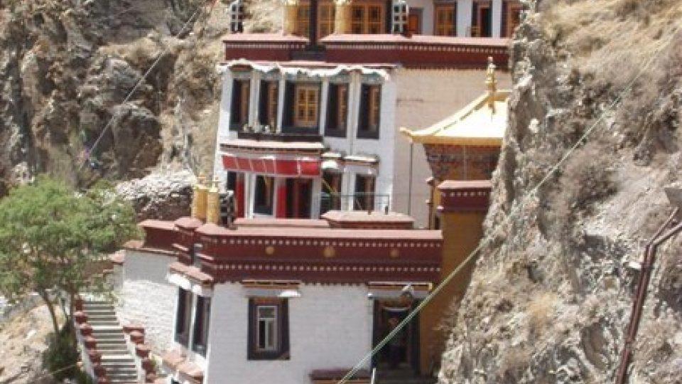 Buddhistický chrám naproti paláci Potala