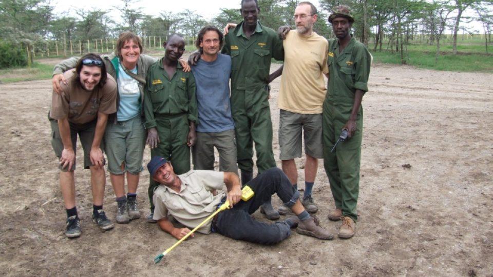 Tým ošetřovatelů a Pete Morkel v Keni