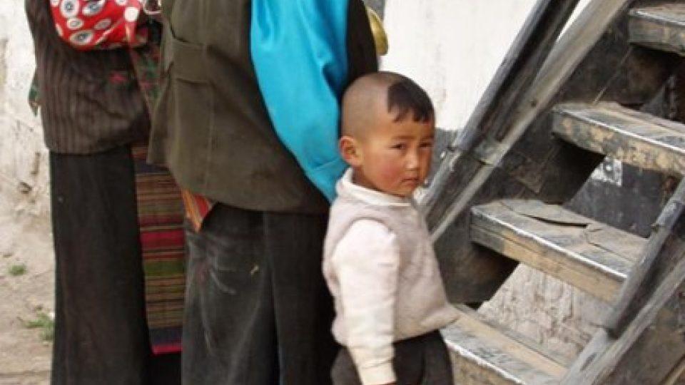 Tibetské ženy s dítětem