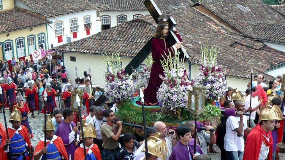 Slavnostní průvod křesťanů v Minas Gerais