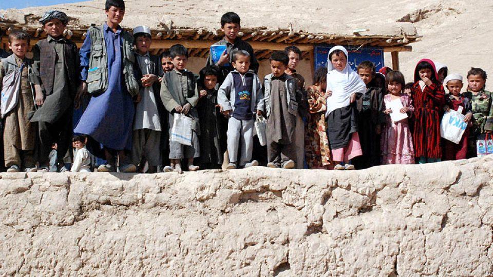 Děti před školou v Pistě