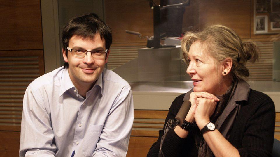 Tomáš Voženílek a Helena Třeštíková ve studiu