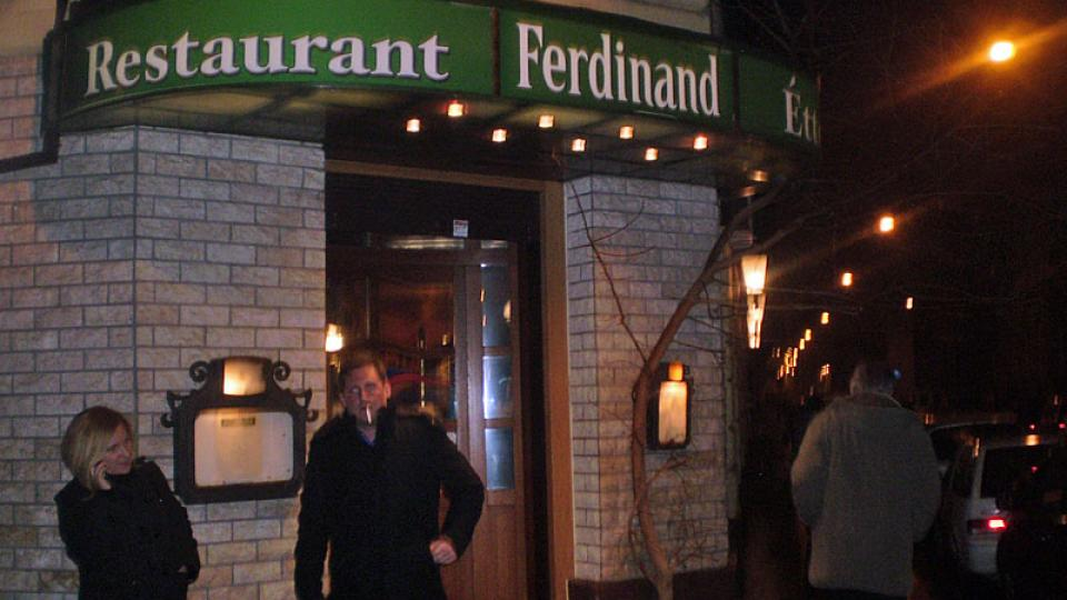 Vchod do restaurace U Ferdinanda