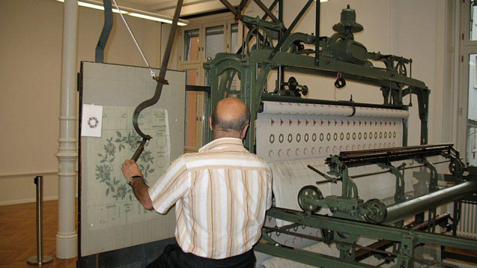 Výroba výšivek na stroji