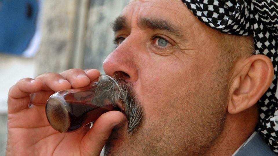 Tradiční turban, tradiční čaj kurdského muže