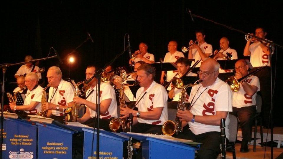 Odpoledne patřilo nestárnoucím evergreenům v podání Rozhlasového swingového orchestru