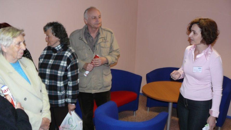 Návštěvníky po rozhlasové budově prováděla i Jitka Cibulová Vokatá, autorka oblíbeného pořadu Máme rádi zvířata