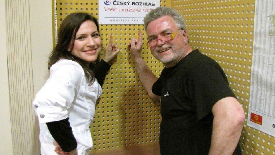Zdeněk Vrba s nedělním hostem – zpěvačkou Emily