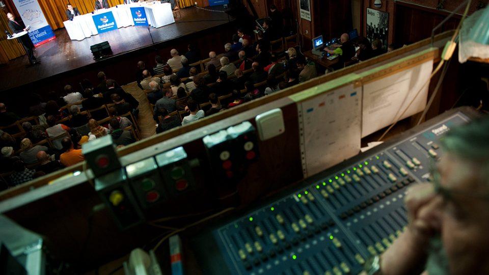Volební diskuse s Martinem Veselovským v Národním domě (Ústí nad Labem)