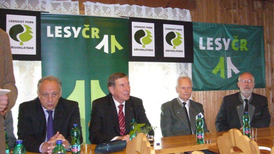 Generální ředitel Lesů ČR, Ministr zemědělství, Miroslav Pecha a správce lesů Colloredo-Mansfeld