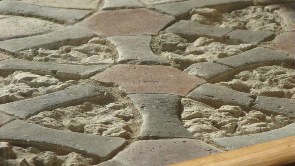 """Z výstavy """"Středověké podlahy"""""""