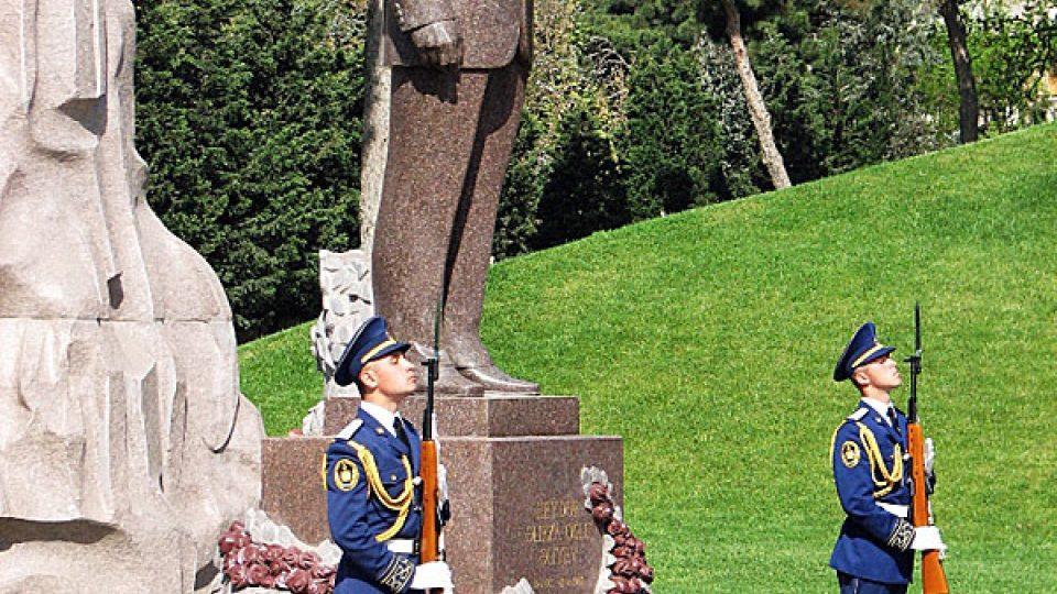 Hrob Hejdara Alijeva