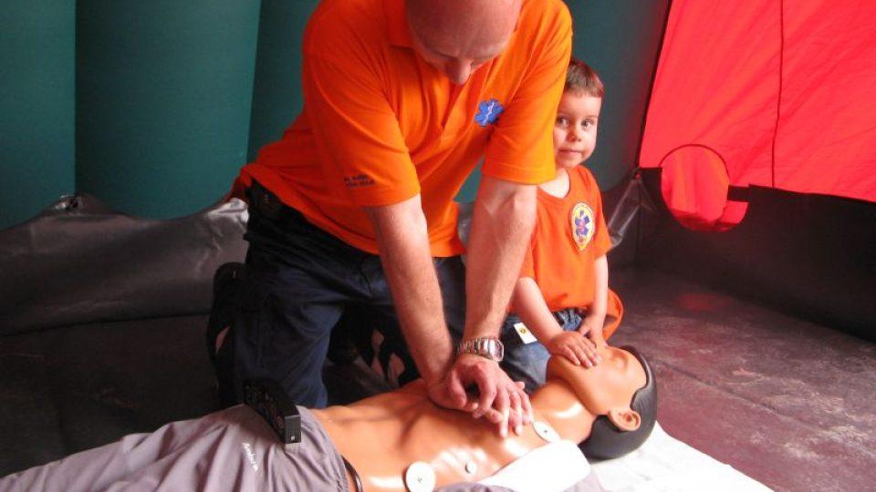 Zájemci si mohli vyzkoušet poskytnutí první pomoci