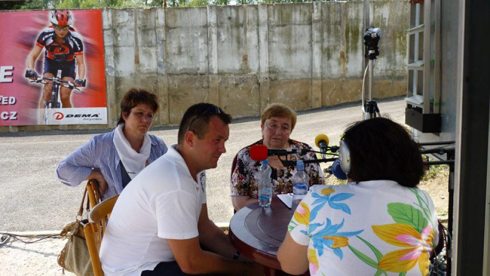 Hostem u mikrofonu byl i mladý ředitel Baťova kanálu Vojtěch Bártek a  starostka Napajedel Irena Brabcová.