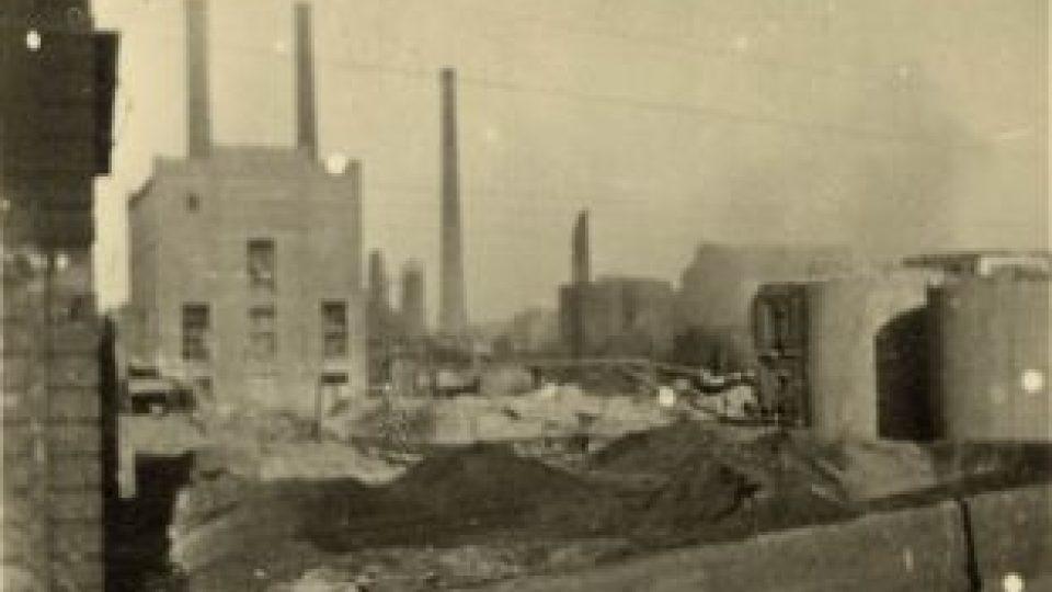 Nálet na Pardubice 24.8.1944 - poničená rafinérie