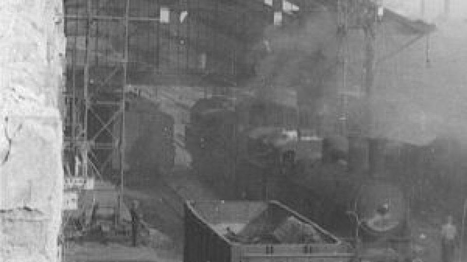 Nálet na Pardubice 24.8.1944 - hořící nádraží