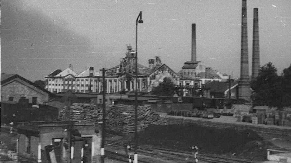 Nálet na Pardubice 24.8.1944 - budova poničeného nádraží
