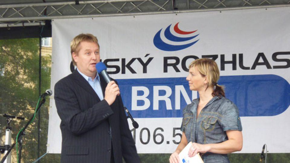 A také se zástupcem generálního partnera koncertu, který podporuje  naši stanici celoročně - JMP a.s, člen skupiny RWE s Ing. Jiřím Bezděkem,  tiskovým mluvčím.