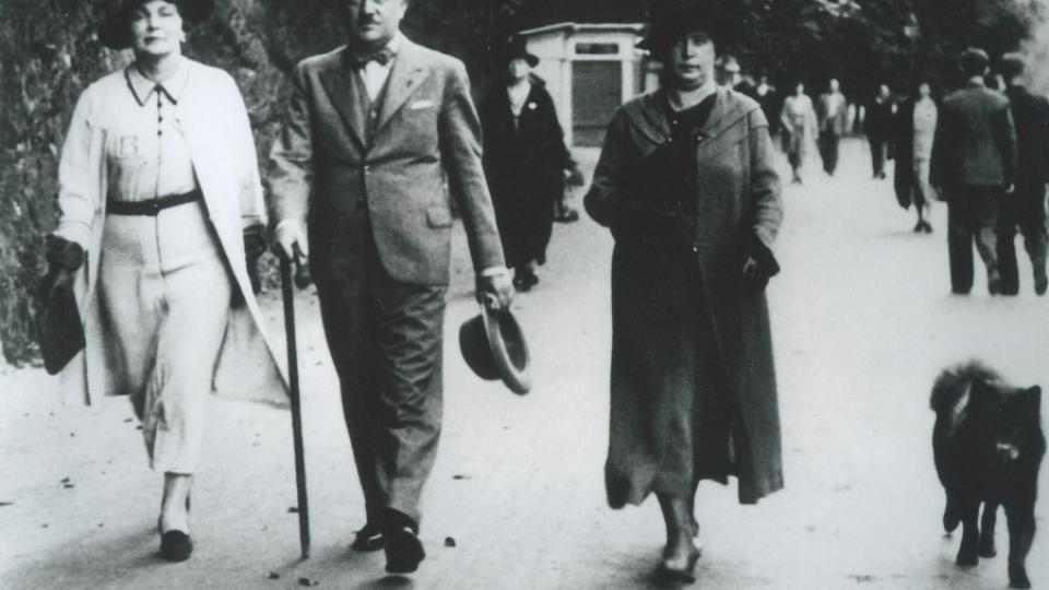 24. Eliášovi a paní Plasová v Ženevě.jpg