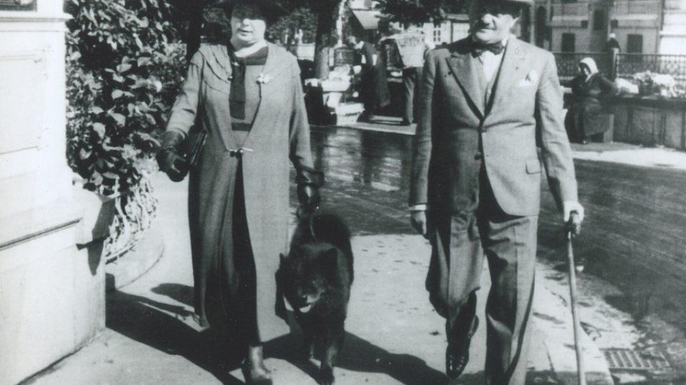 25. Gen. Eliáš s paní Eliášovou v Ženevě