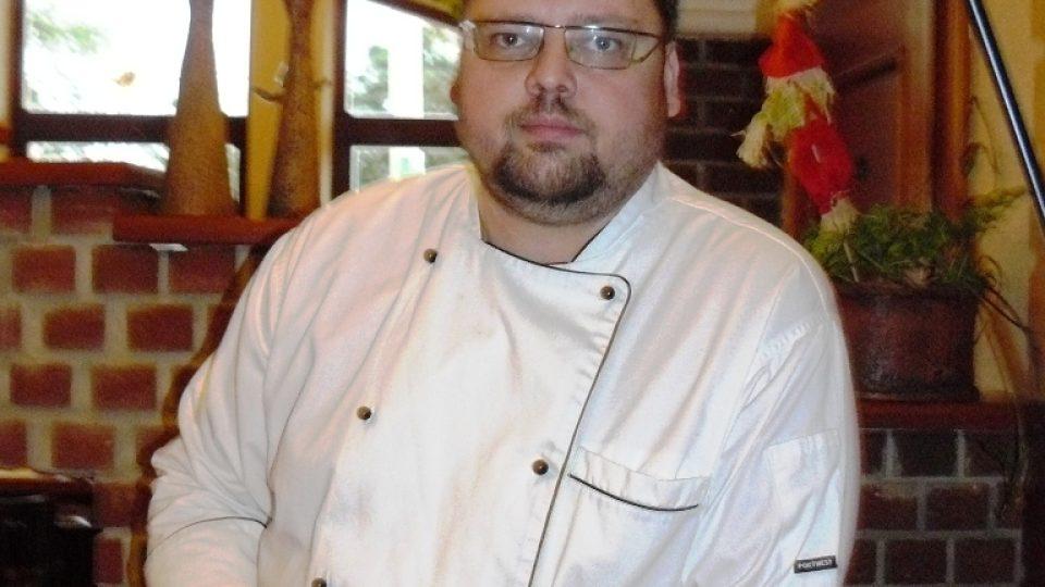 Šéfkuchař David Engel zakládá svou kuchyni výhradně na čerstvých a kvalitních potravinách.