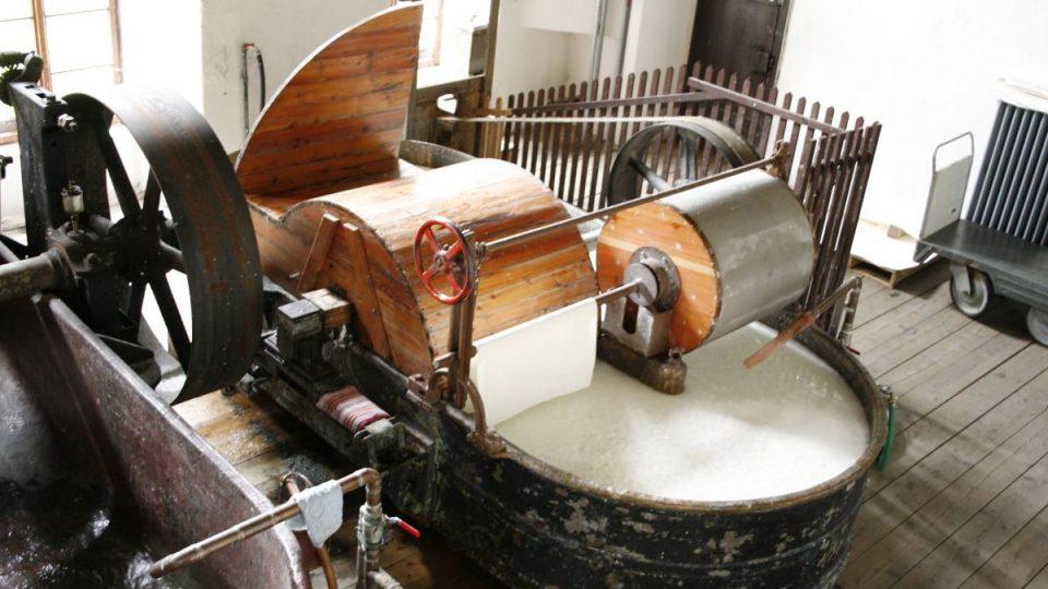 Holander – zařízení na mletí suroviny pro výrobu papíru