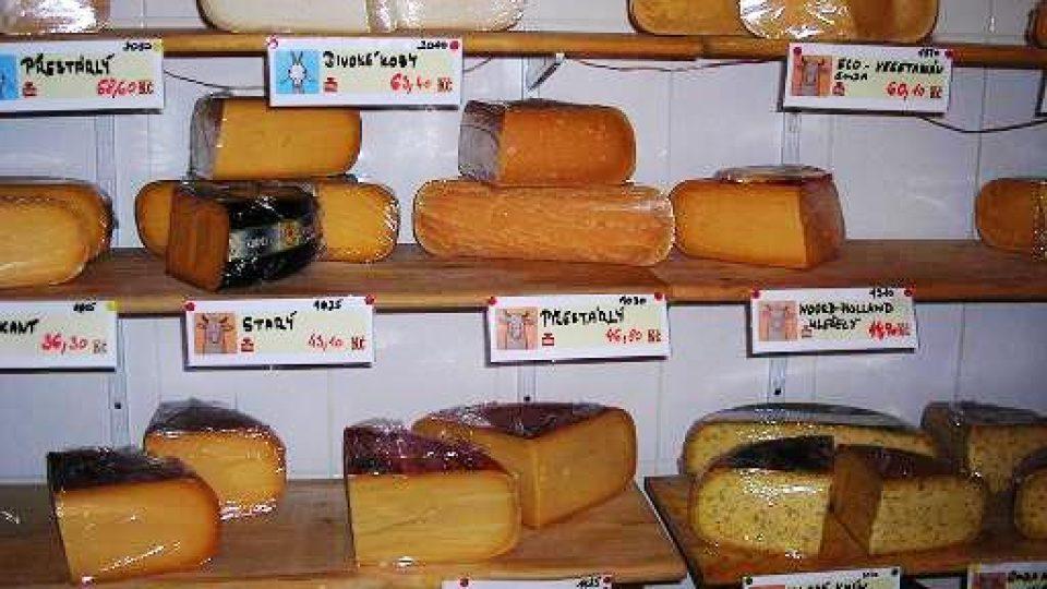 Mezi sýry...