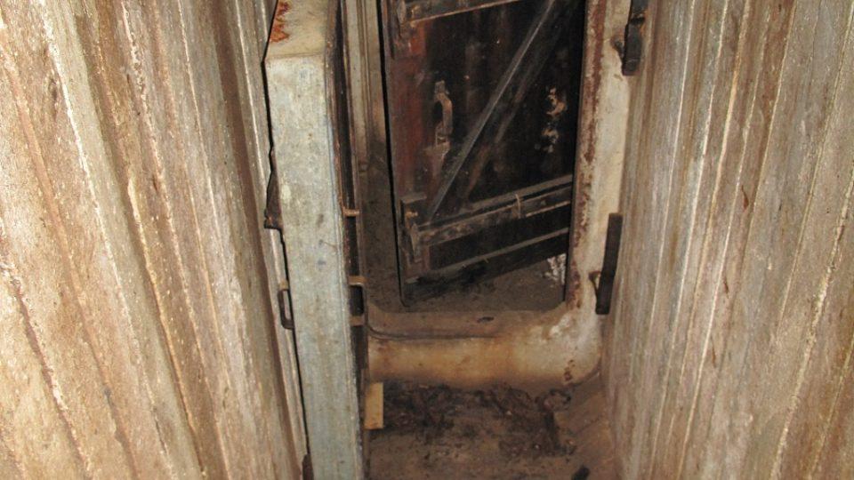 2. Vstup do bunkru
