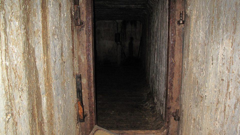 3. Vstup do bunkru
