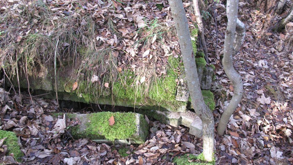 15. Poškozený bunkr