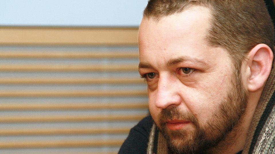 Novinář Adam Drda během rozhovoru