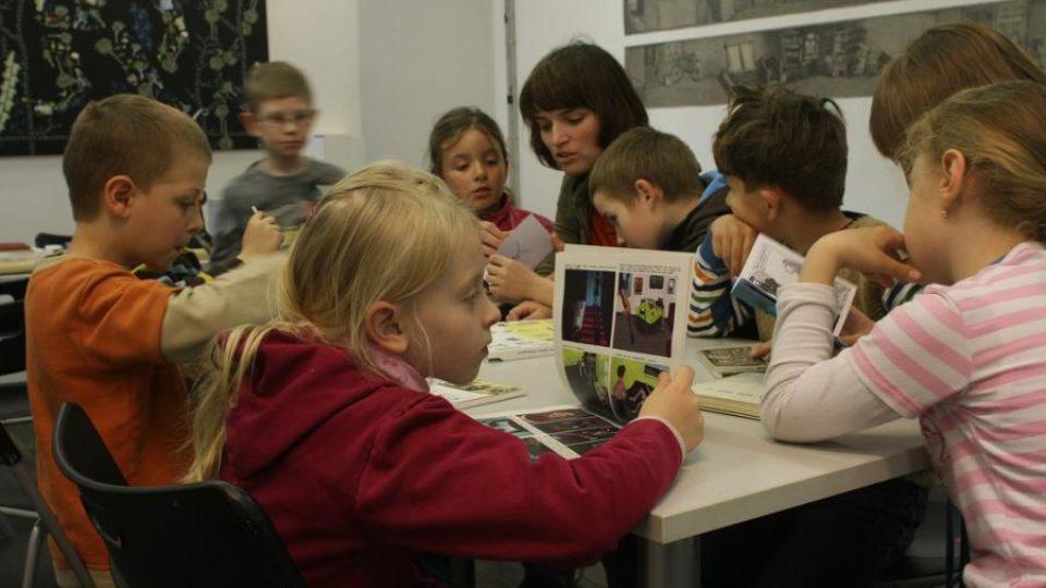 Výtvarné ateliéry mají dětem ukázat nejrůznější pohledy a přístupy k výtvarnému umění
