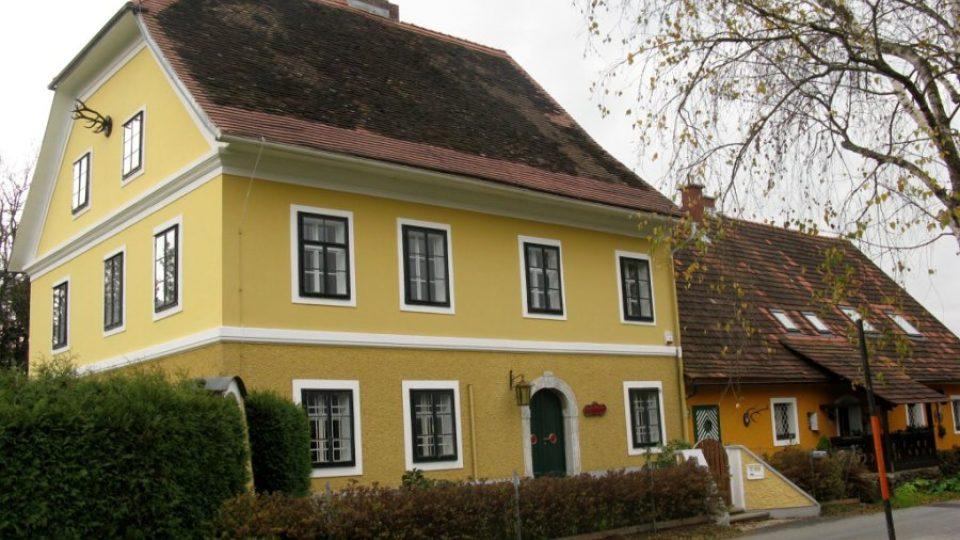Z nenápadného domu v rakouské horské vesnici u Štýrského Hradce se brzy stane muzeum zdejšího rodáka Arnolda Schwarzeneggera