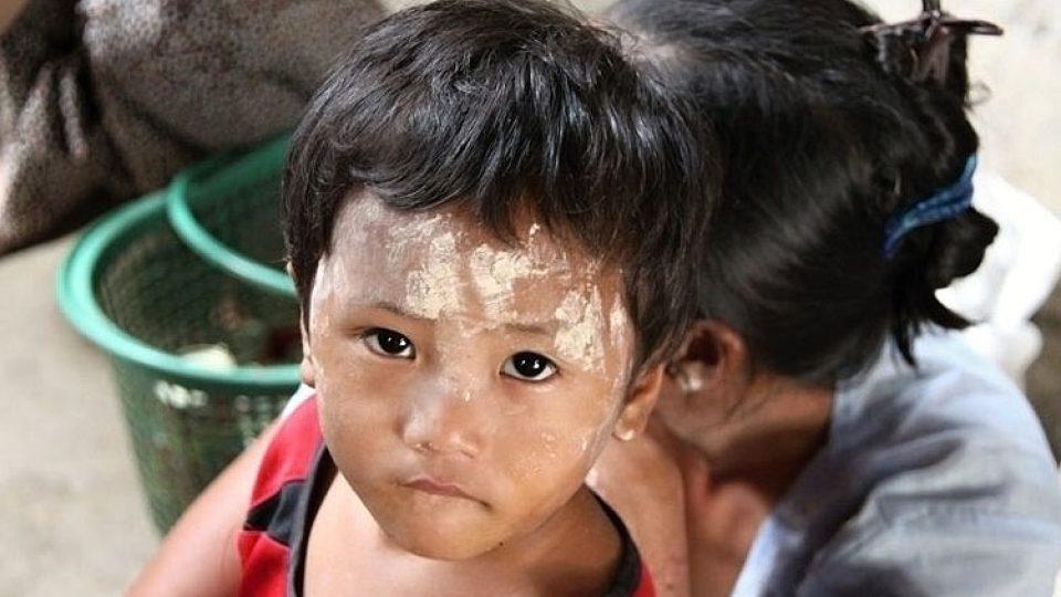 Děti v utečeneckých táborech si zatím nedělají starosti s budoucností