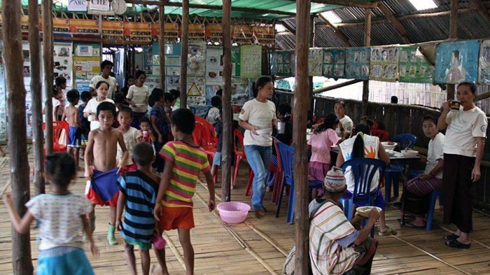 Barmští uprchlíci doufají, že se jim povede odejít do některé z demokratických zemí