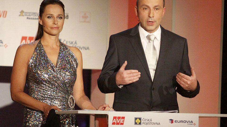 Anketa Sportovec roku 2010 - moderátoři Lucie Výborná, Jan Pokorný