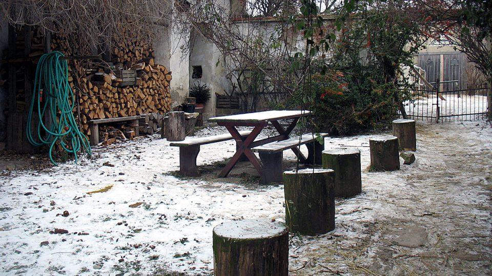 Na dvorku farmy Ivety Ministrové v Havraníkách