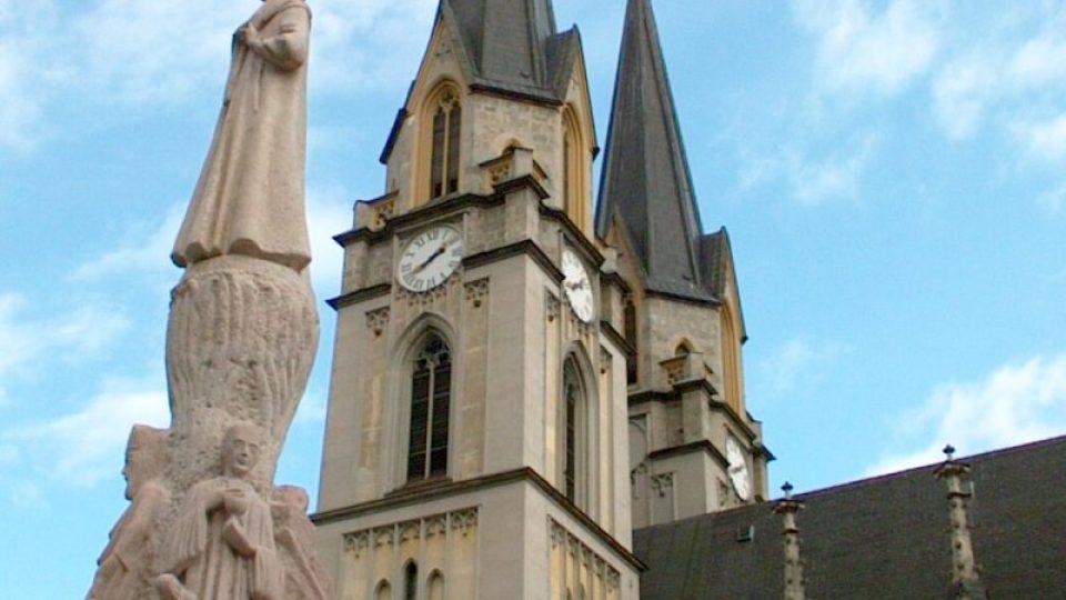 Po požáru v roce 1865 byl kostel znovu vystavěn architektem Wilhelmem Bücherem