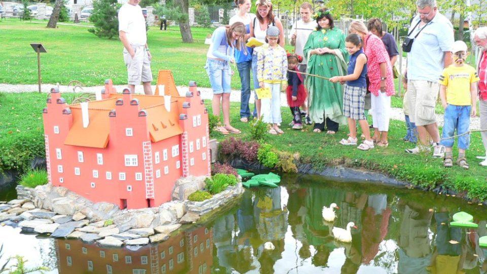 Zámecký park - model zámku Červená Lhota