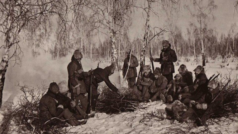 Hlídka československých legionářů v zimě v ruském lese