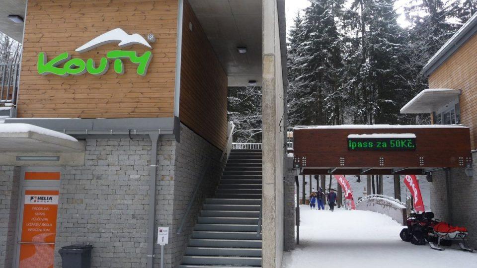 Výstavba skiareálu Kouty zatím spolkla asi 550 miliónů korun a další investice v nejbližší budoucnosti areál ještě rozšíří