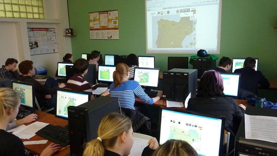 Studenti z Gymnázia Sázavská hrají Evropu 2045