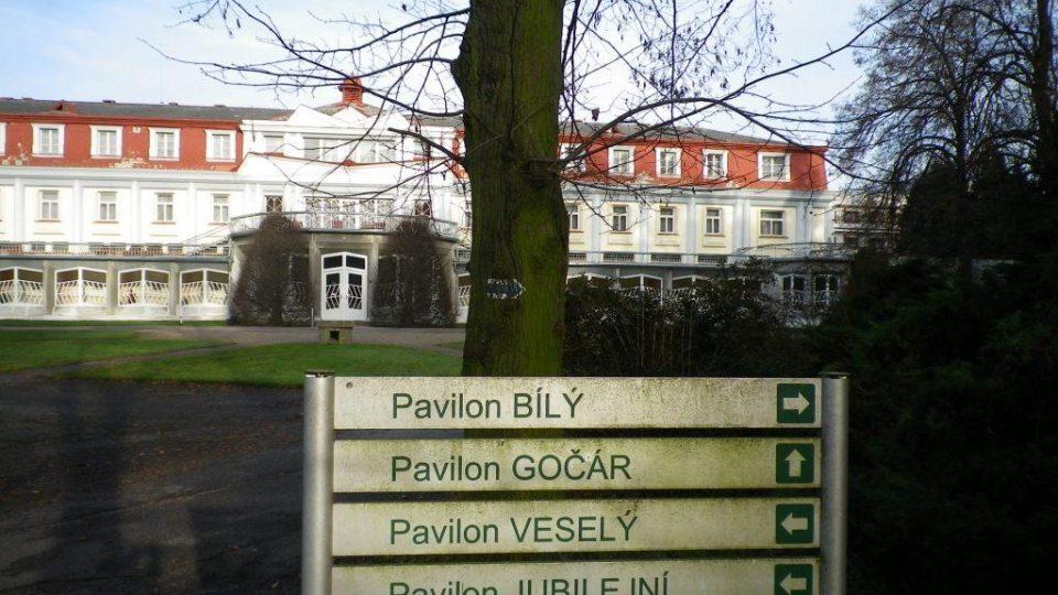 Lázeňský pavilon v Bohdanči od Josefa Gočára