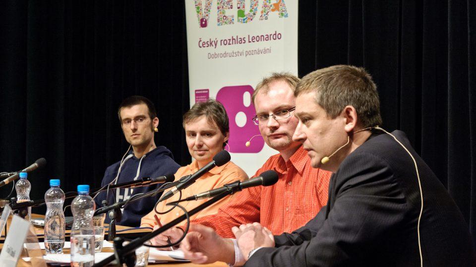 Elektromobily a elektromobilita, hosté: Jan Horčík, Jaromír Marušinec, Tomáš Chmelík, moderátor: Marek Kuchařík