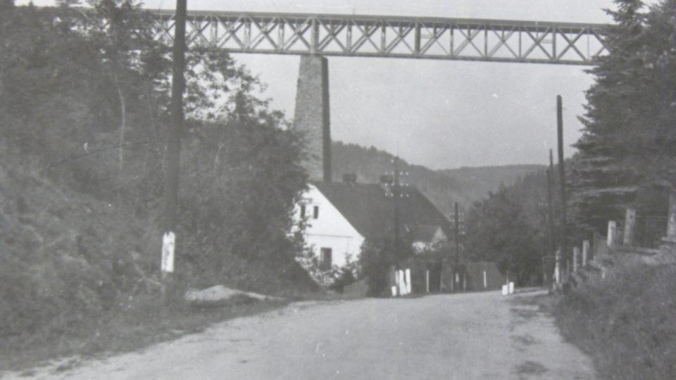 Ocelový most  r. 1940