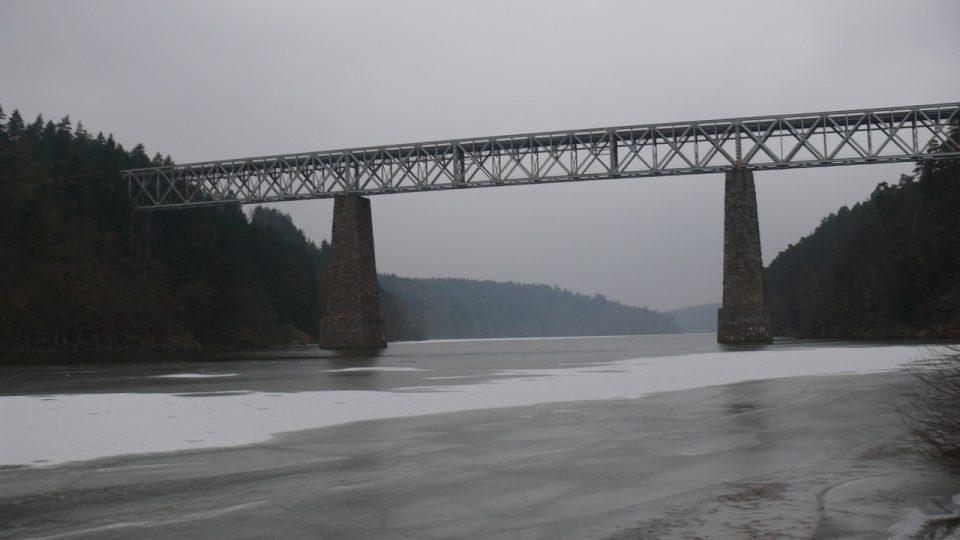 Ocelový most III.