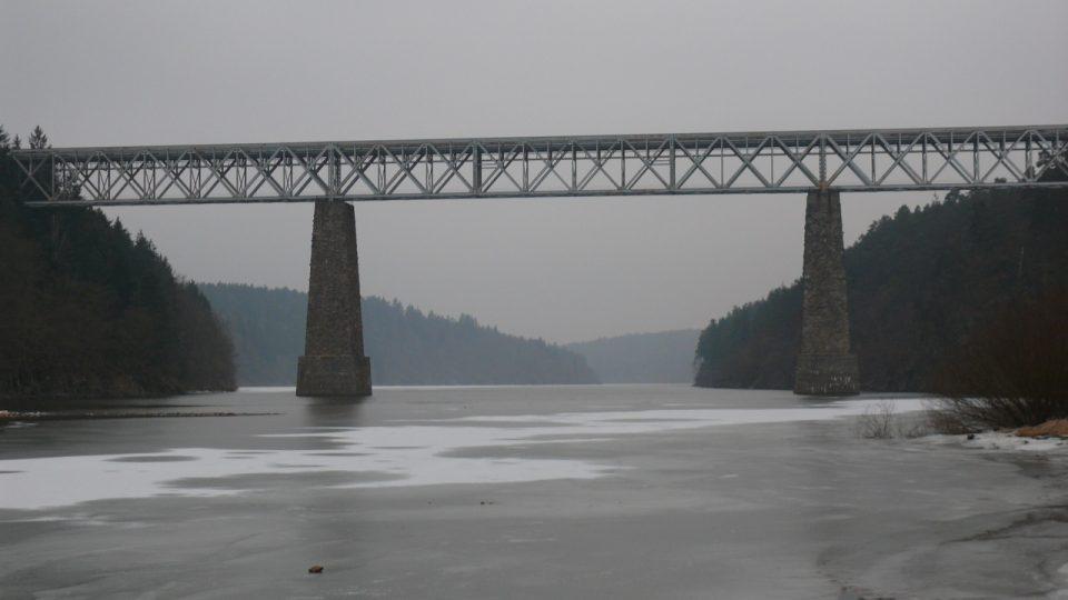 Ocelový most