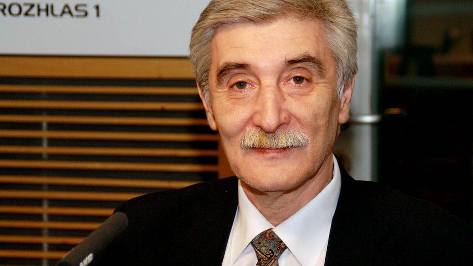 Předseda sdružení DOST! Ladislav Bátora mluvil o telefonátech s ministrem školství Josefem Dobešem