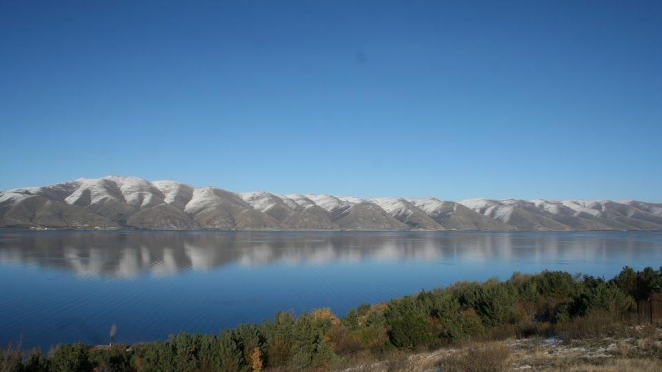 Sevanskému jezeru se právem říká Modré oko Arménie
