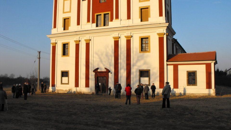 Barokní kostel sv. Markéty v Podlažicích